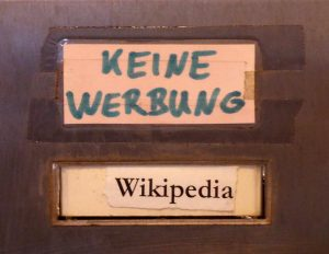 Briefkasten von Wikipedia Hamburg. Foto: 1971markus via Wikimedia Commons
