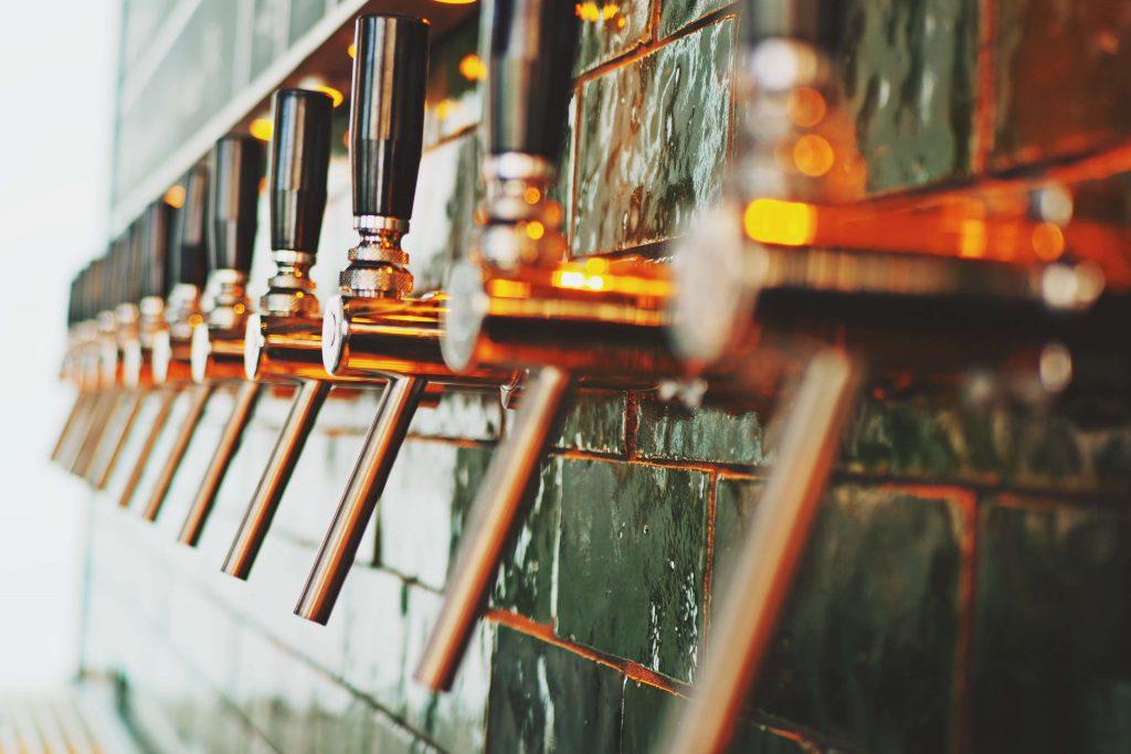 Die Bierhähne sind nach der Spontanen Bar öffnung noch nicht wieder alle am laufen
