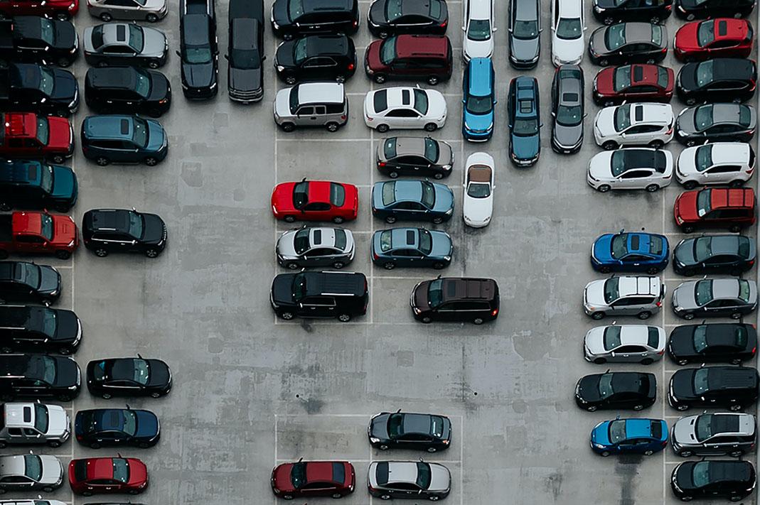 Parkende Autos, Parkgebühren steigen in Hamburg
